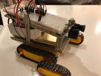 robot004
