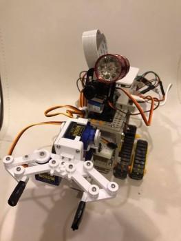 robot008